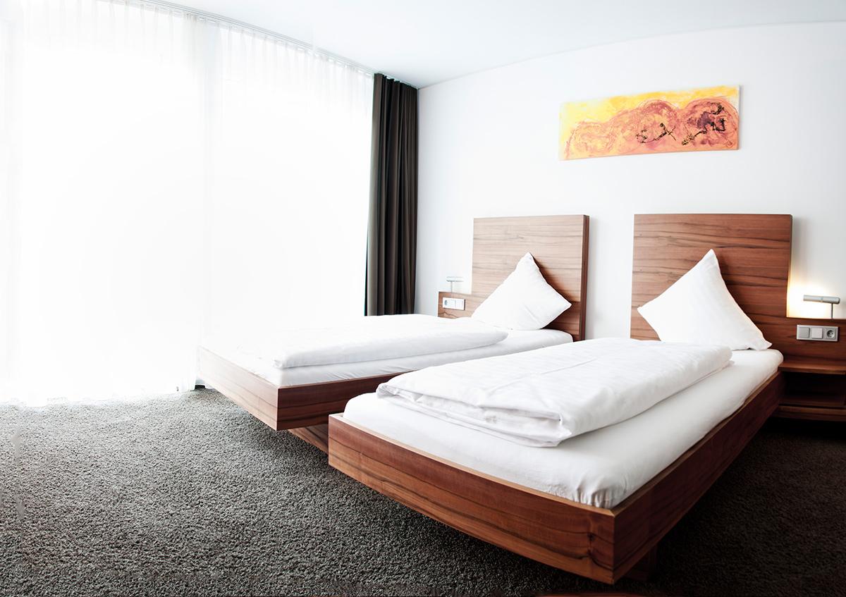 die zimmer und suiten pepis skihotel st anton am. Black Bedroom Furniture Sets. Home Design Ideas